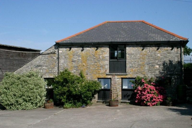 Dove-Cottage-outside