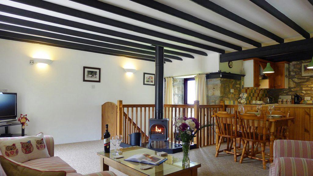 Owl-Cottage-Living-area